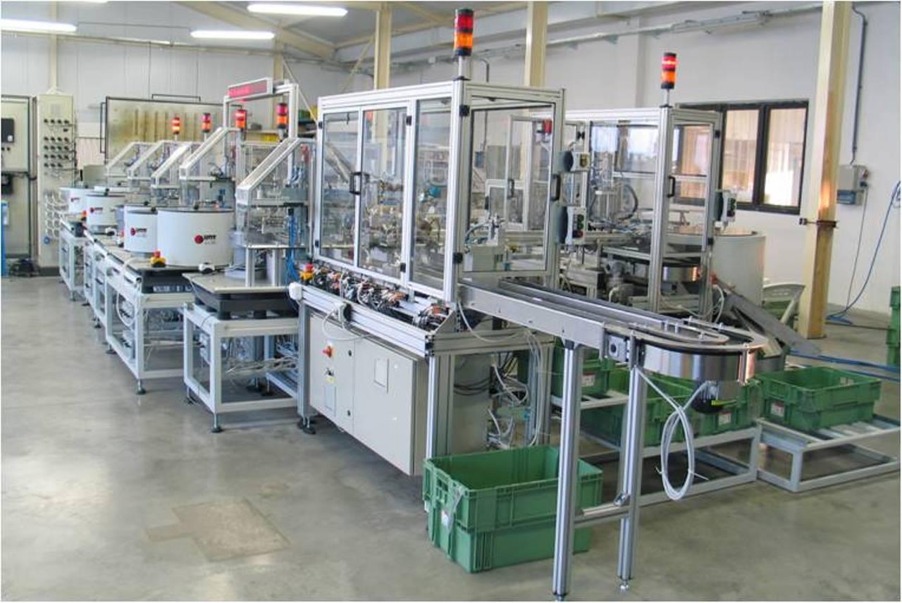 Automatická-výrobní-linka-ABB